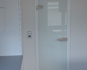 Sklenené otváravé dvere - 16